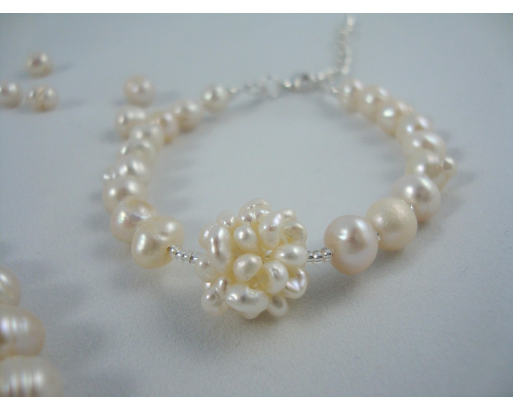 Cultured Freshwater Pearl Necklace And Matching Bracelet Set