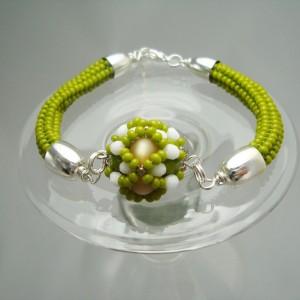 http://krisztaline.com/240-thickbox_default/spring-green-armband.jpg