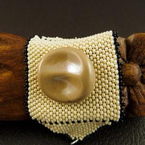 http://krisztaline.com/701-thickbox_default/vintage-knopf-armband.jpg